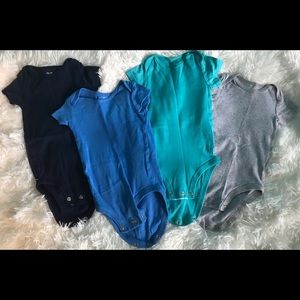 4 pack multicolored short sleeve bodysuits